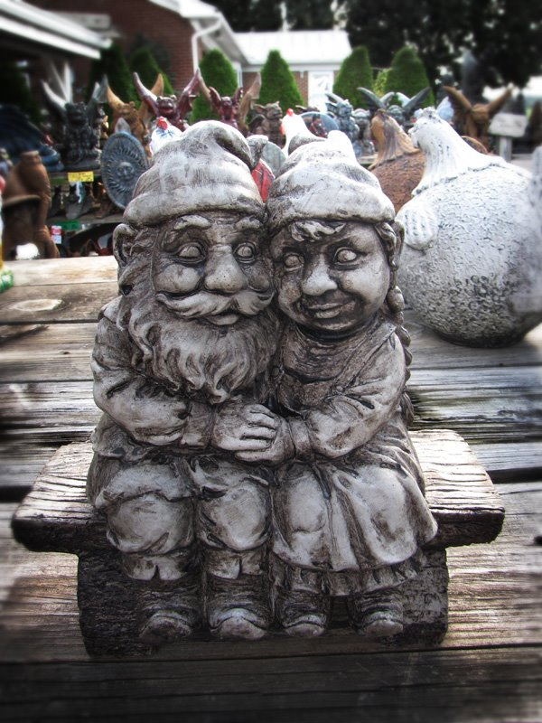 Gnomeo & Juliet in the Weathered finish.